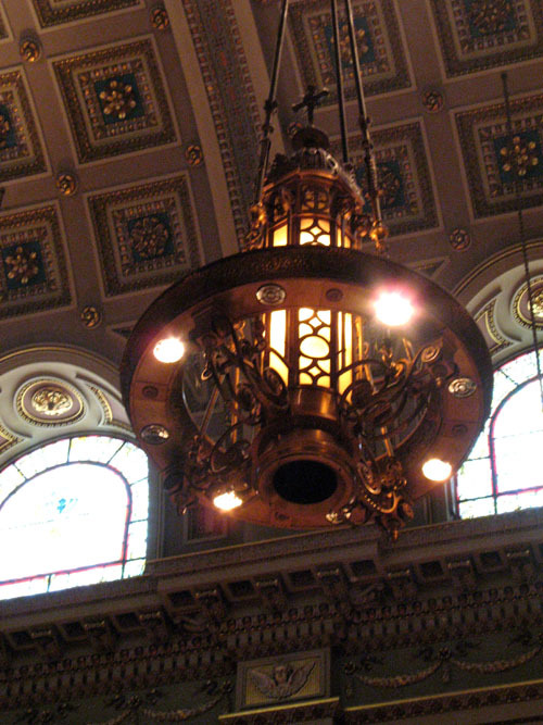 basilicalamp_web.jpg