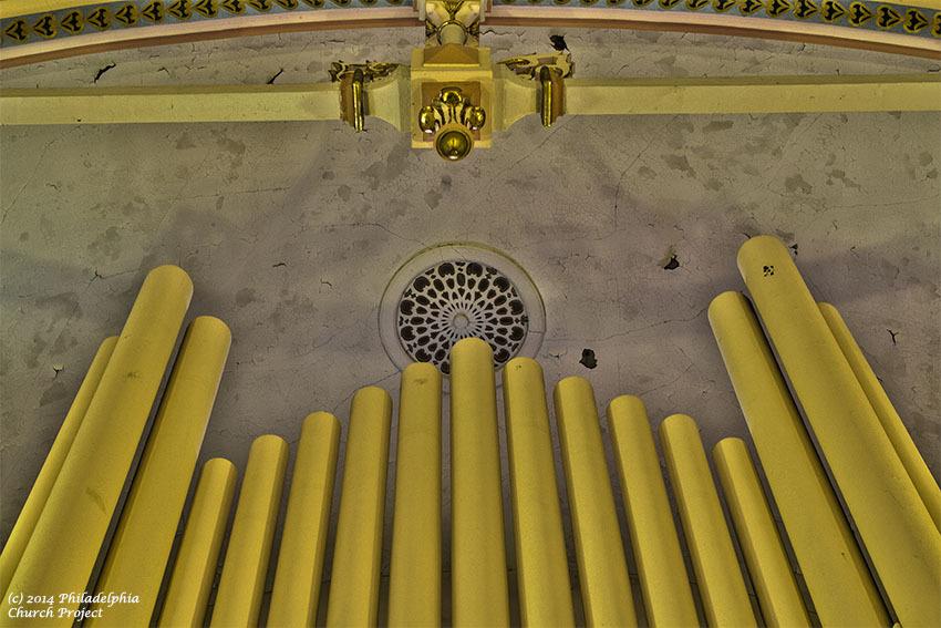 immaculate organ 2 web.jpg
