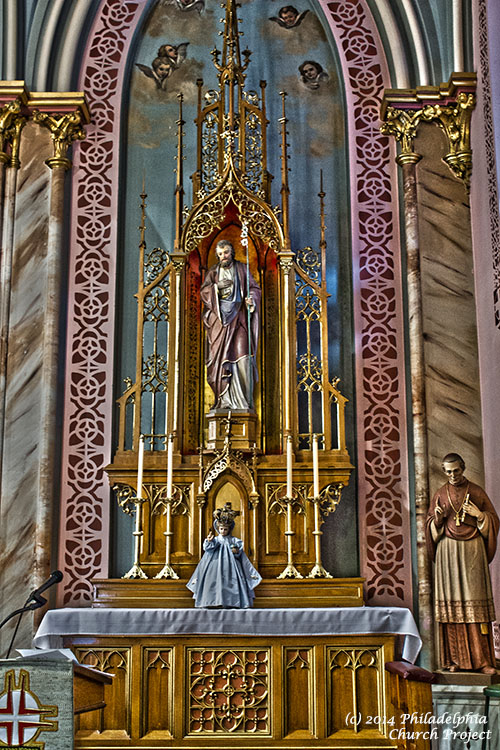 Laurentius Side Altar 3 HDR WEB.jpg