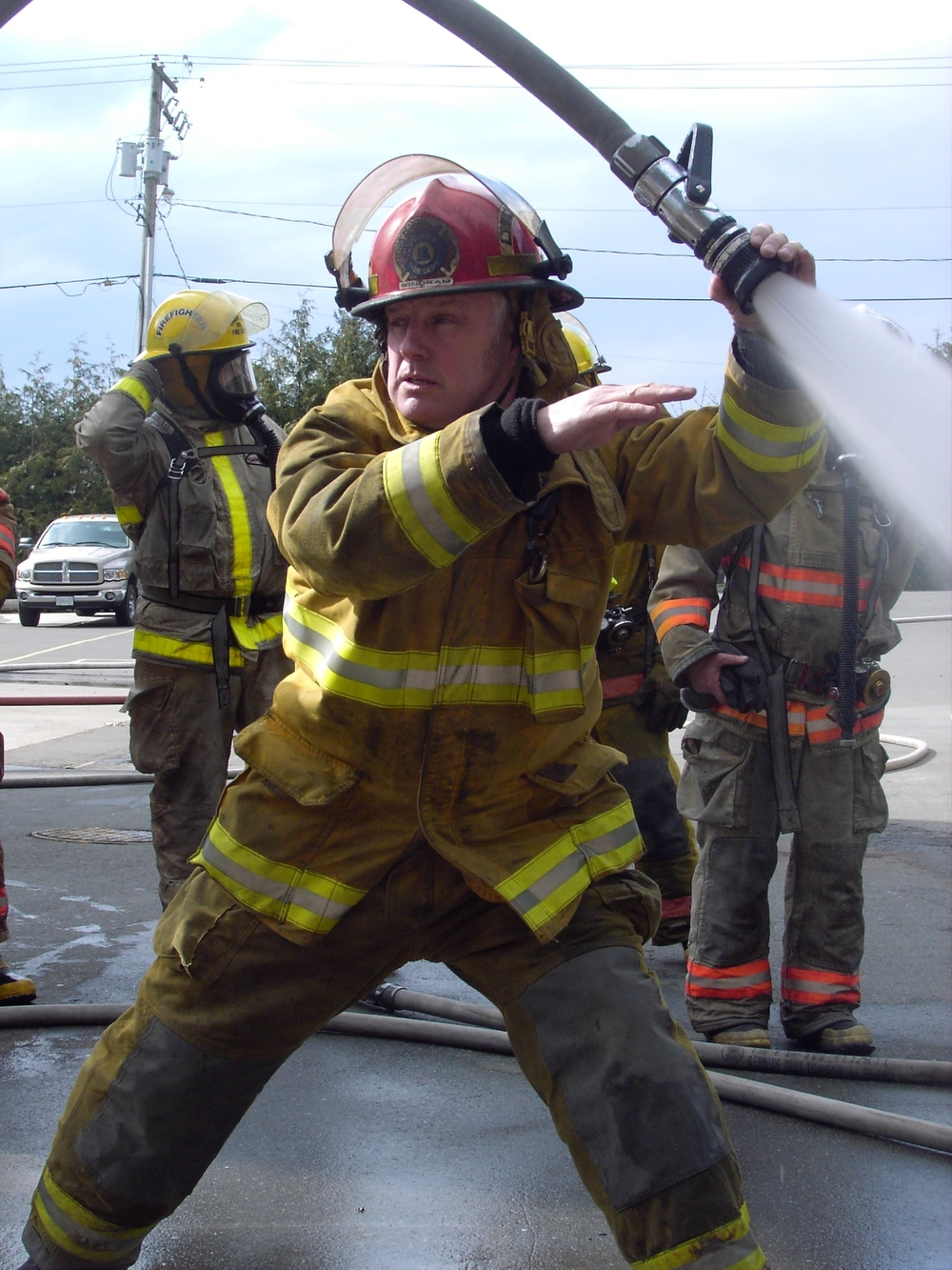 Captain Windram demonstrating some advanced hose handling!