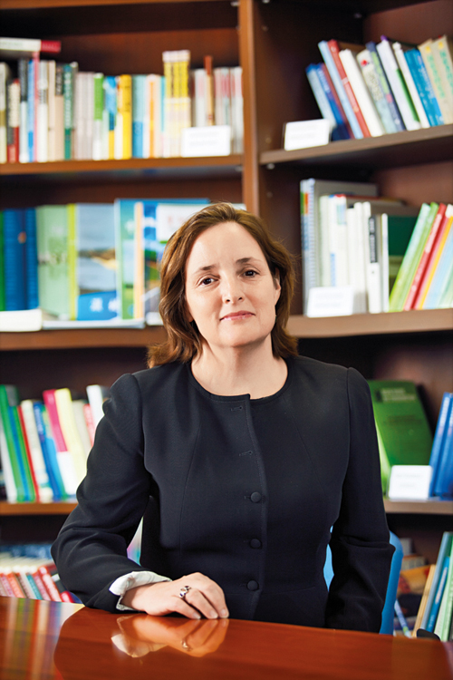 Elizabeth Knup  Director Ford Foundation China  LRCCS Alum '87