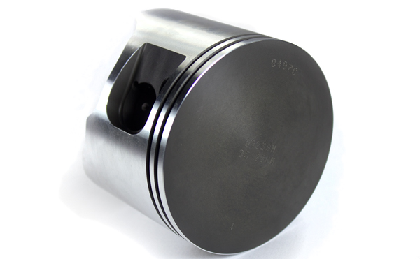 Wiseco custom forged pistons, 95mm. Balanced and dressed pairs with cage-less needle bearings. Ultra light and Wiseco strong to ensure maximum low-end response.