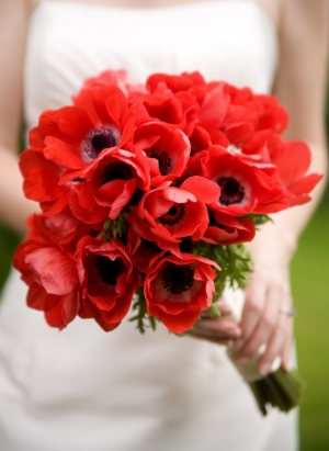 Bouquets made of red oriental poppies (or anemones)are true Polish classics - absolutely stunning!