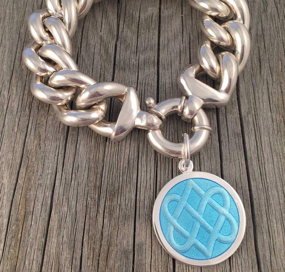 lola pendant celtic knot