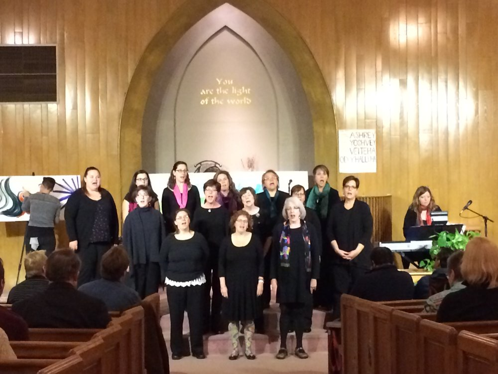 The Woodstock Community Choir sings of harmony (2016)