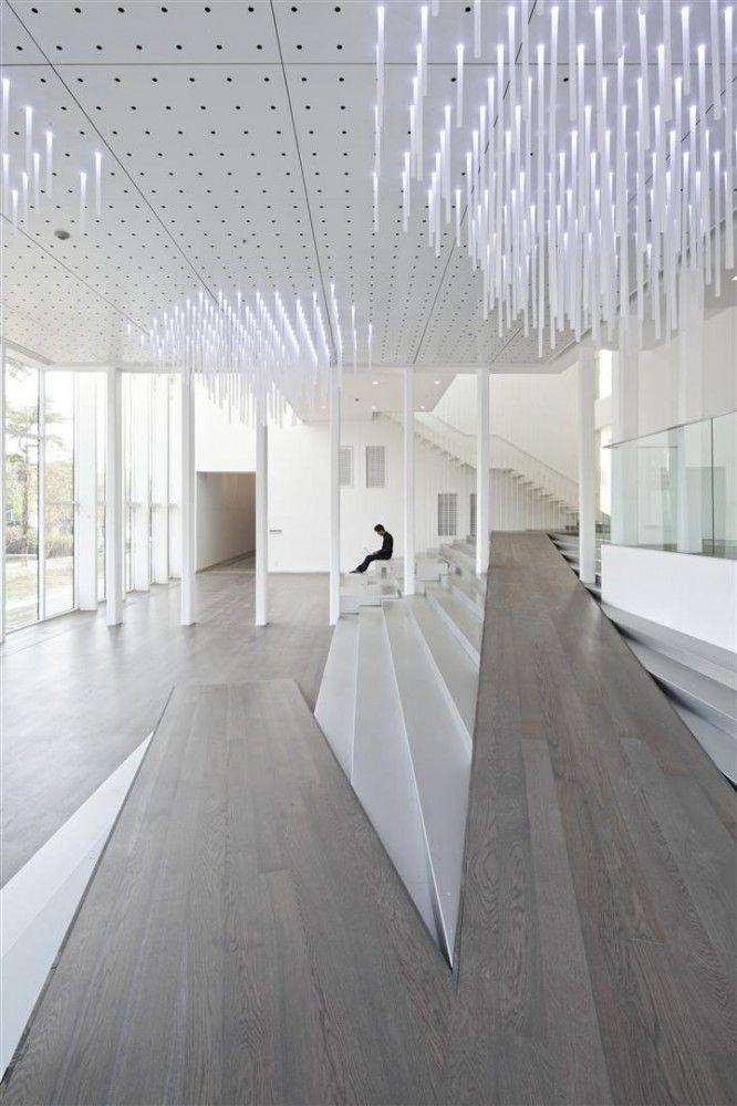 ceiling 3bed6102b7f9358aa2aa6e13a4b39836.jpg