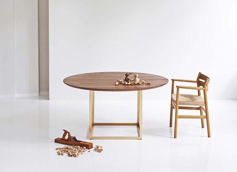 jewel_table_round_with_bm2_walnut_brass_styled_low.jpg