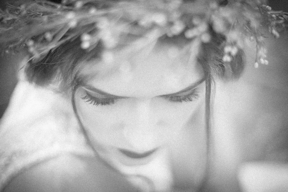 black-white-vsco-film-filter-bridal-photoshoot