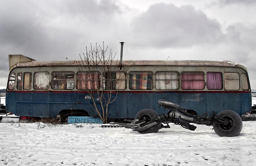 travis-durden-batman-series-post-apocalyptic-universe-3d-artist-alicia-rius-abandoned.jpg
