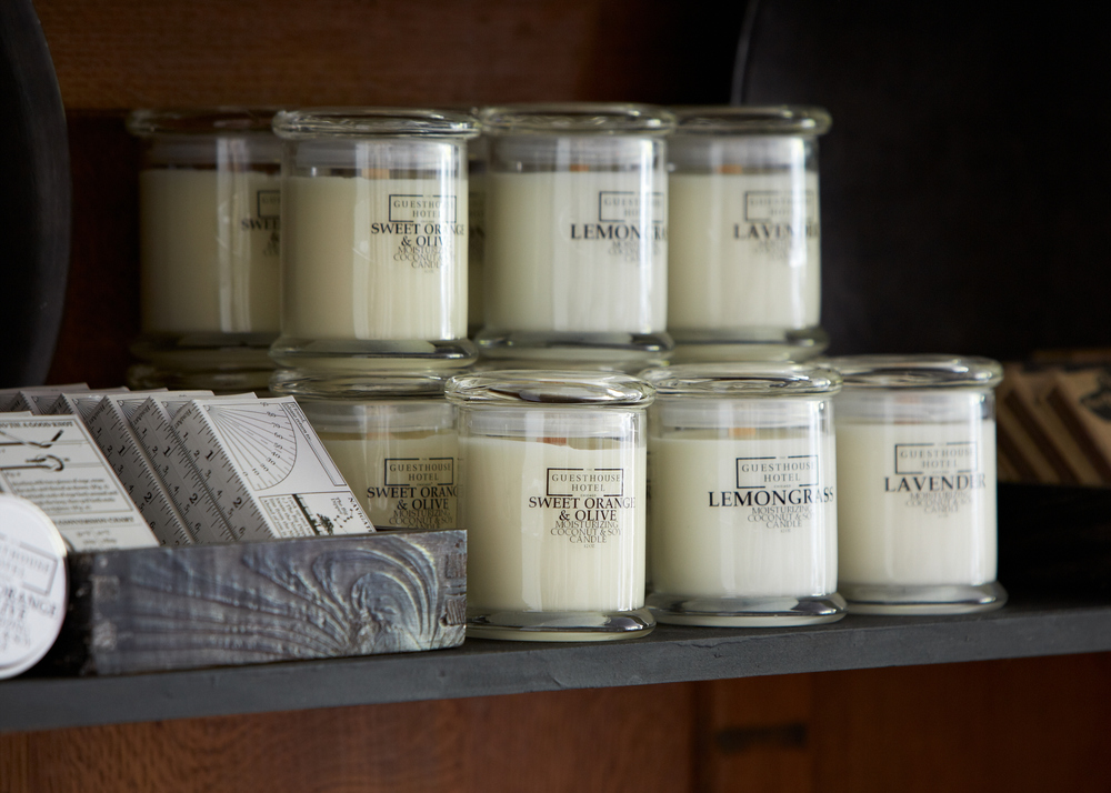 guesthouse-hotel-house-candle.jpg