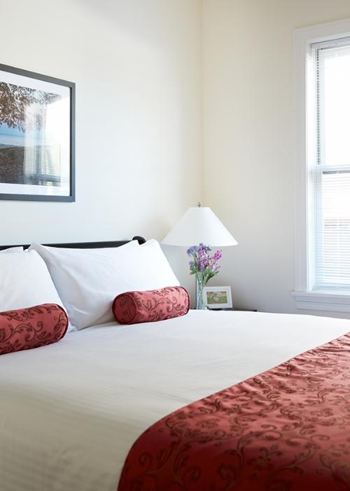 theguesthousehotel-bedroom.jpg