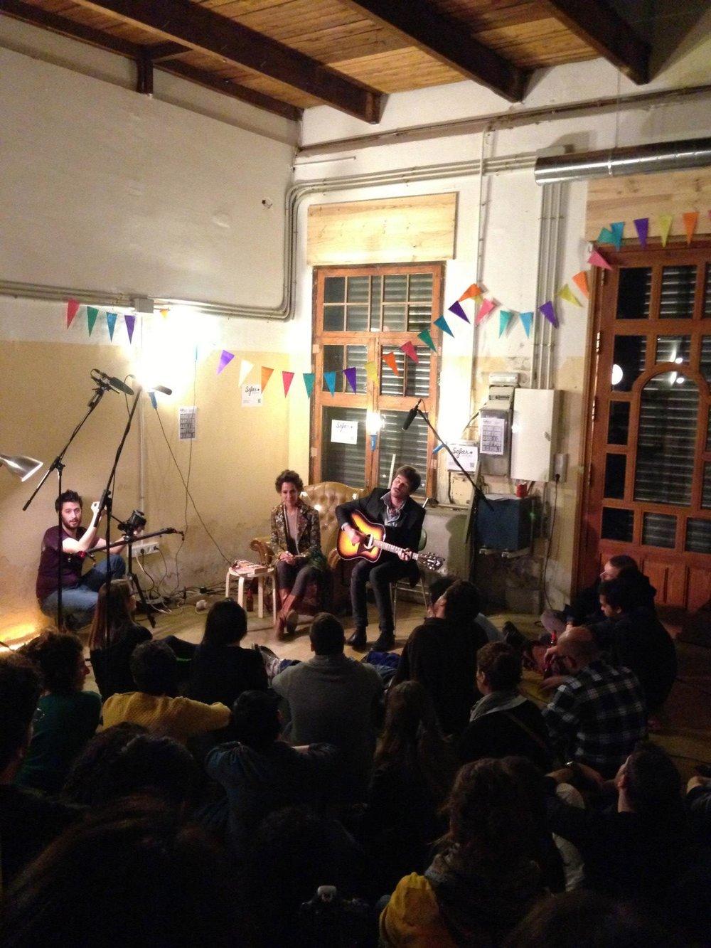 gardencoworking-sofabarcelona-concert.jpg