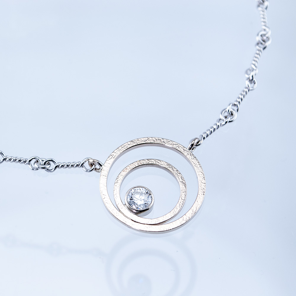 Geo Double Circle Necklace with Diamond
