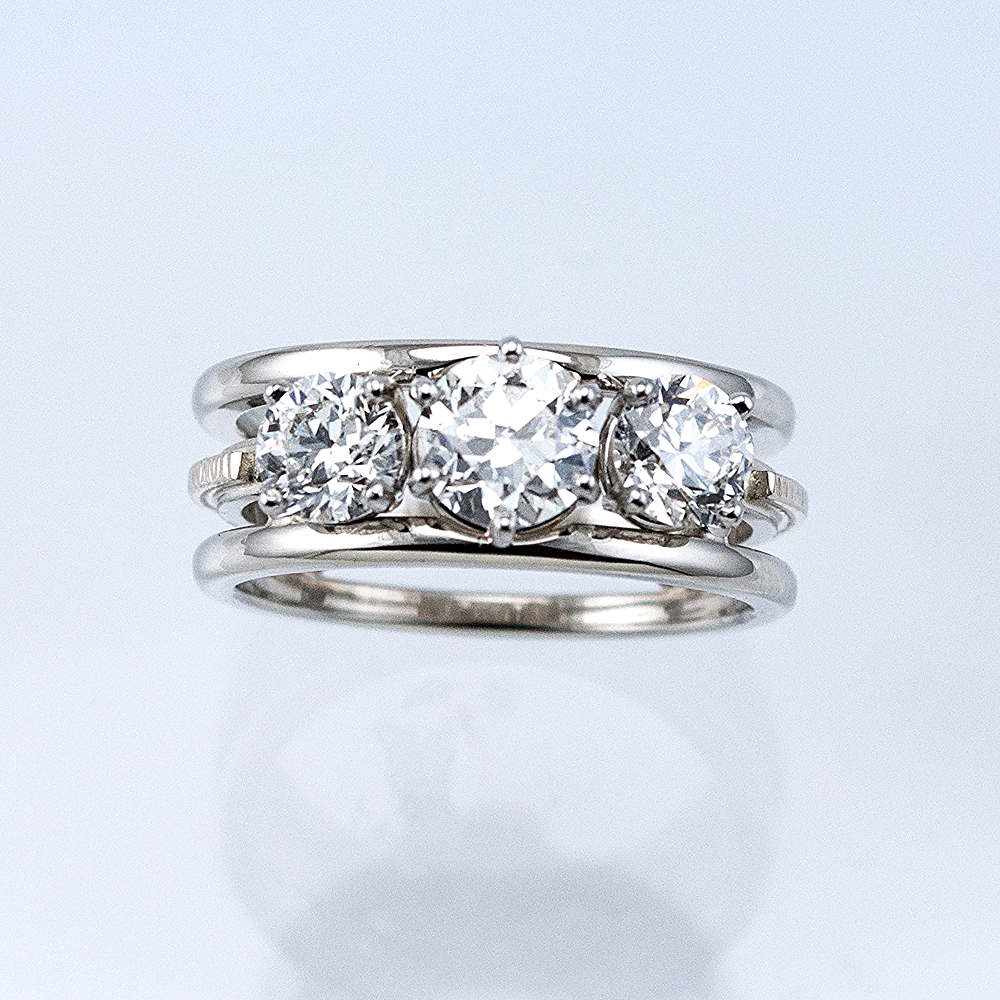 Three Diamond Memory Ring