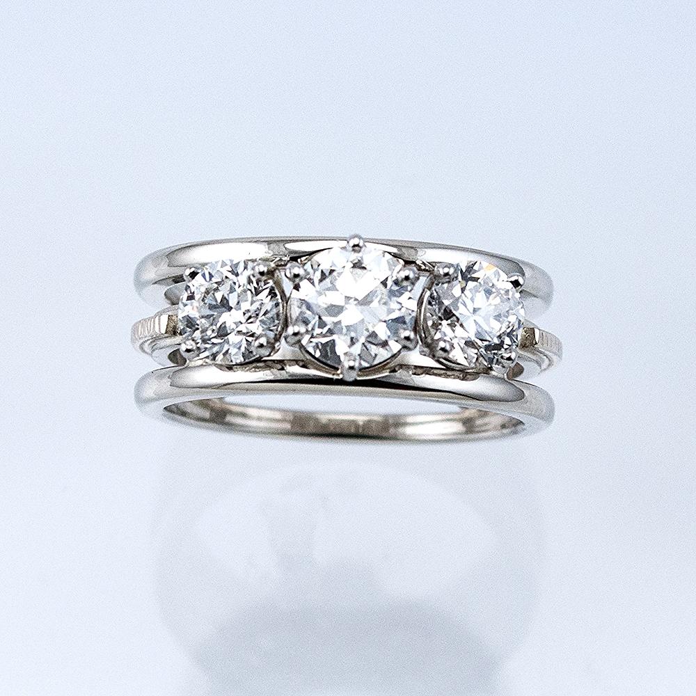 Three Diamond Memory Ring