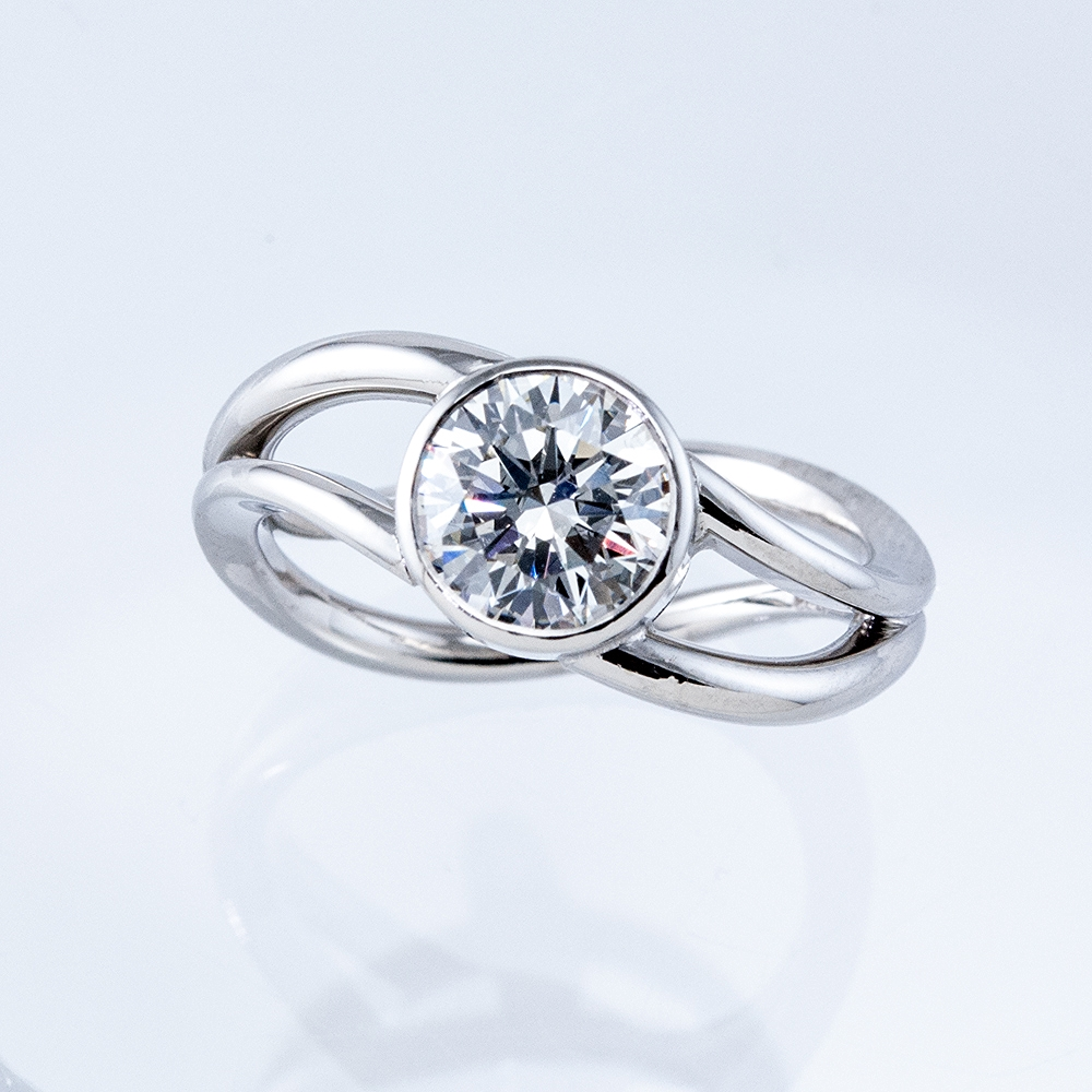 Duality Diamond Solitaire