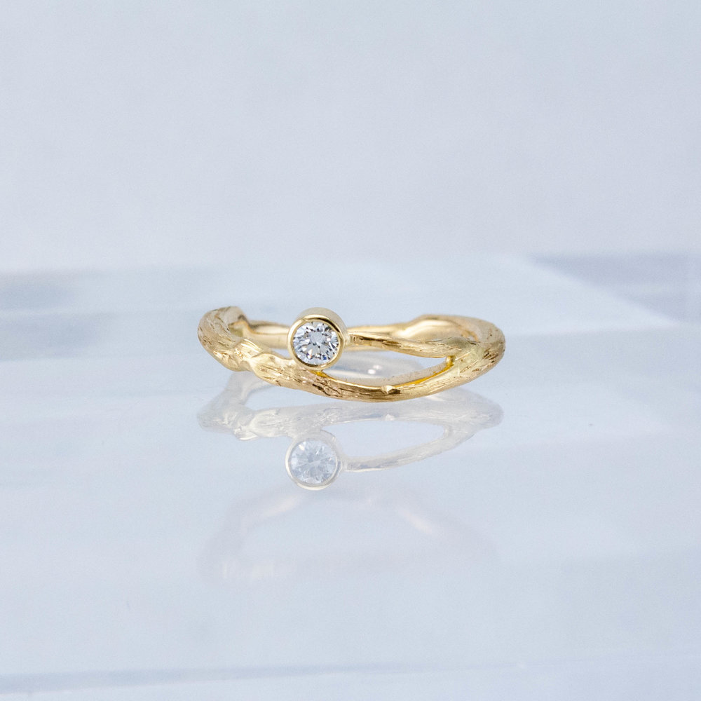Twig Solitaire Ring- yellow gold