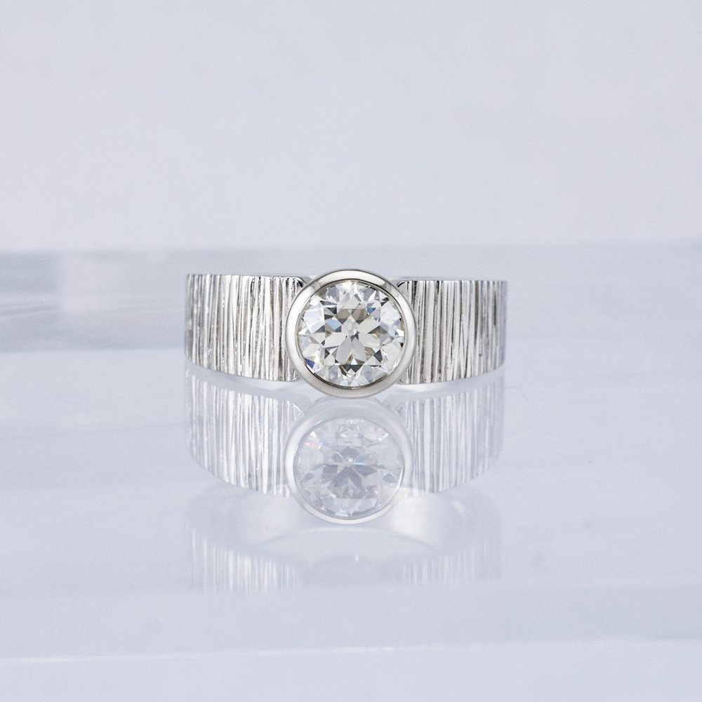 Haymarket Solitaire with Diamond