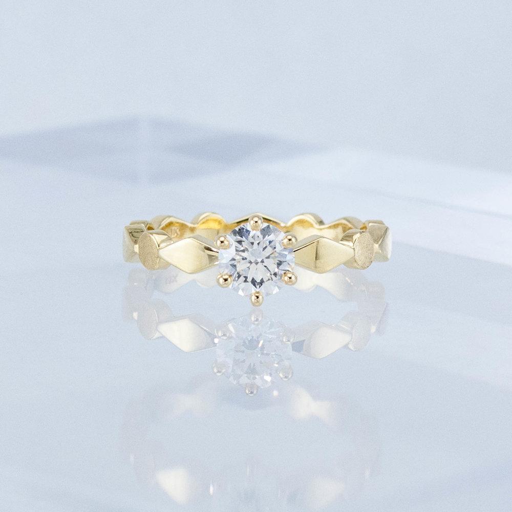 Harlequin Diamond Solitaire