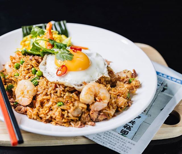 You can get your nasi goreng fix without leaving your home... With @deliveroo_au that is how  #delivery #deliverooau #asianfood #nasigoreng #igersmelbourne #melbourneat #melbournefood #orienteast #malaysianfood