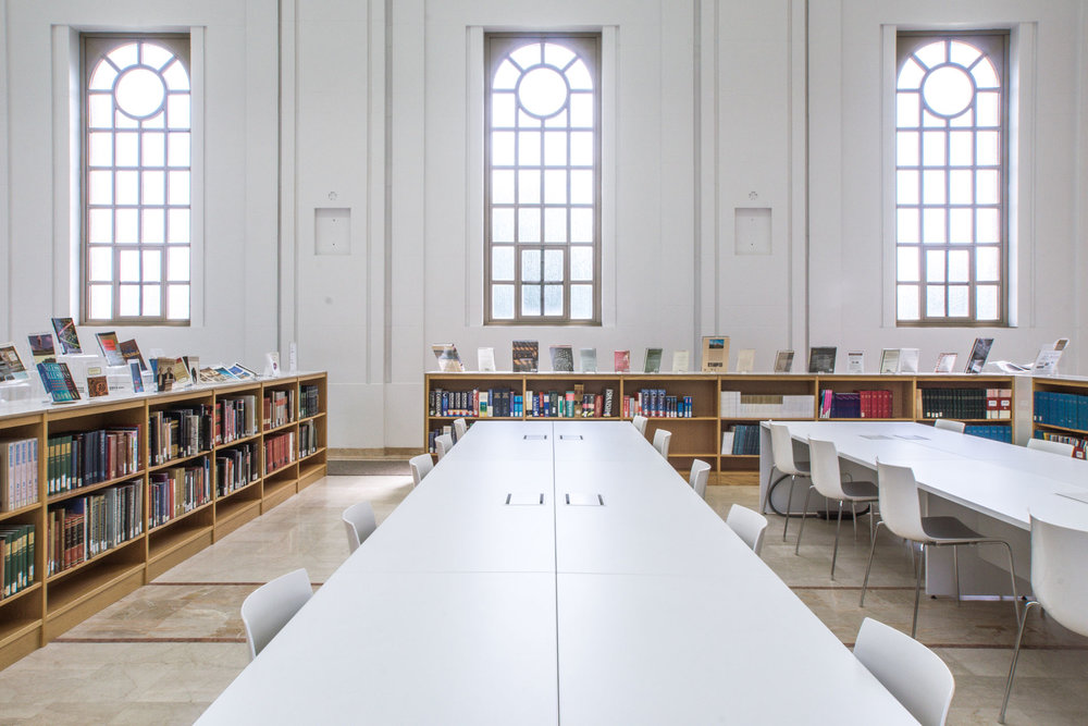 Bibliothèque Collège Marianopolis - Atelier TAG © Raphaël Thibodeau