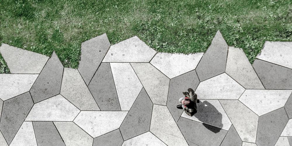 Petites personnes / Spiderman © Raphaël Thibodeau