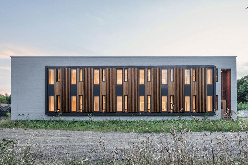Centre de la jeunesse et la famille Batshaw -  STOA architecture  Documentation chantier - aout 2016 © Raphaël Thibodeau