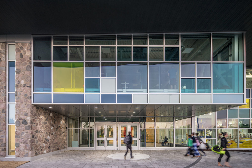 <<<<< BACK  Complexe Laurie-Ève-Cormier -  Riopel et Associés  +  PFA  © Raphaël Thibodeau