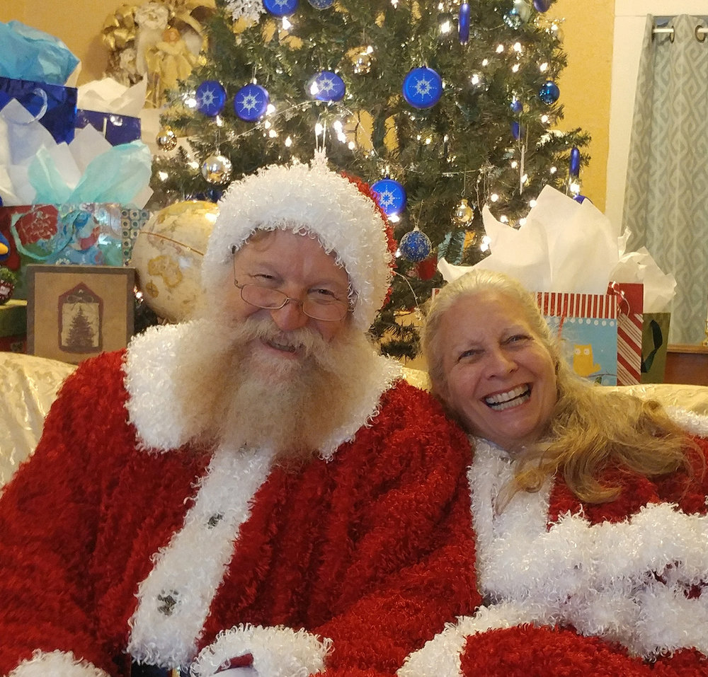 Mr and Mrs Claus Wish You a Happy Thanksgiving 1500.jpg