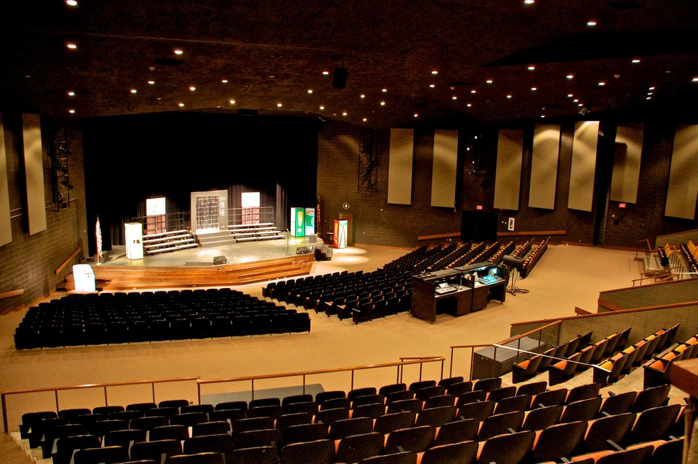Hastings Middle School   |   Hastings, MN   | Auditorium Audio and Lighting System