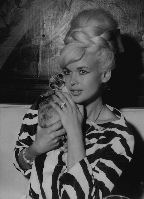 Jayne Mansfield's up do