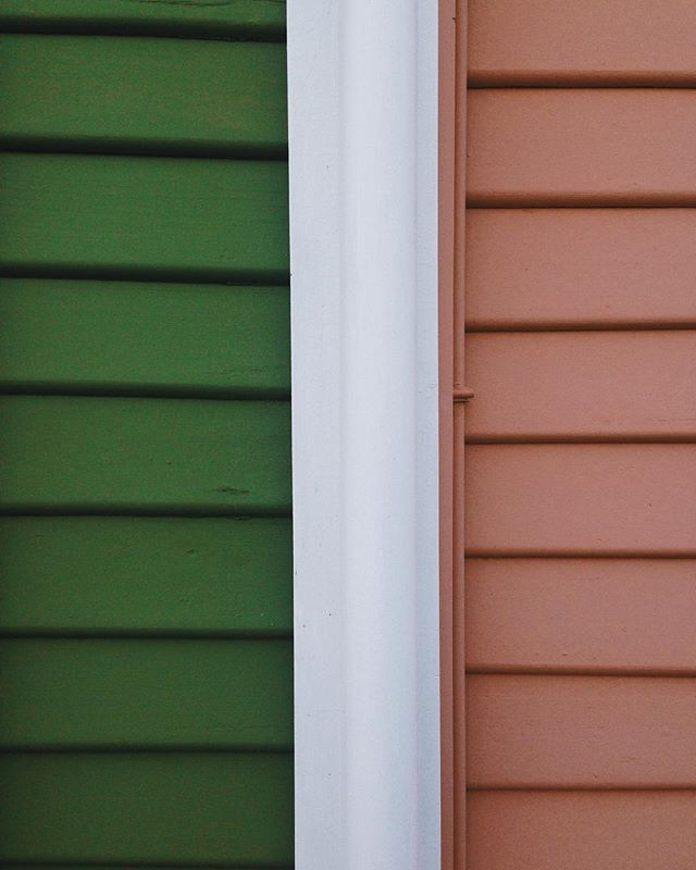 weatherboard beach houses in watermelon hues 🍉 Straughn, Tasmania