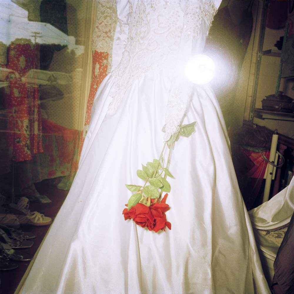 Amputee op shop Bride (2009)