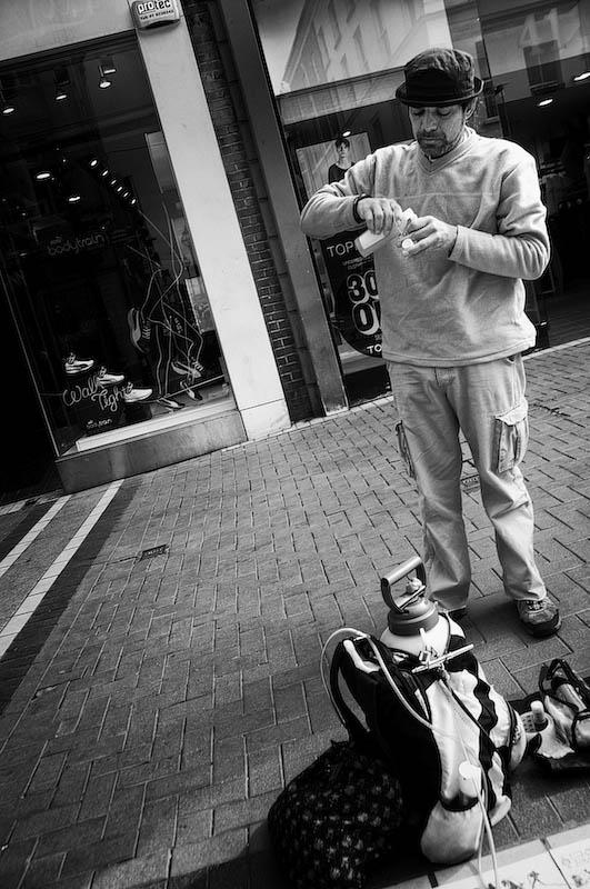Street Artist Prepares