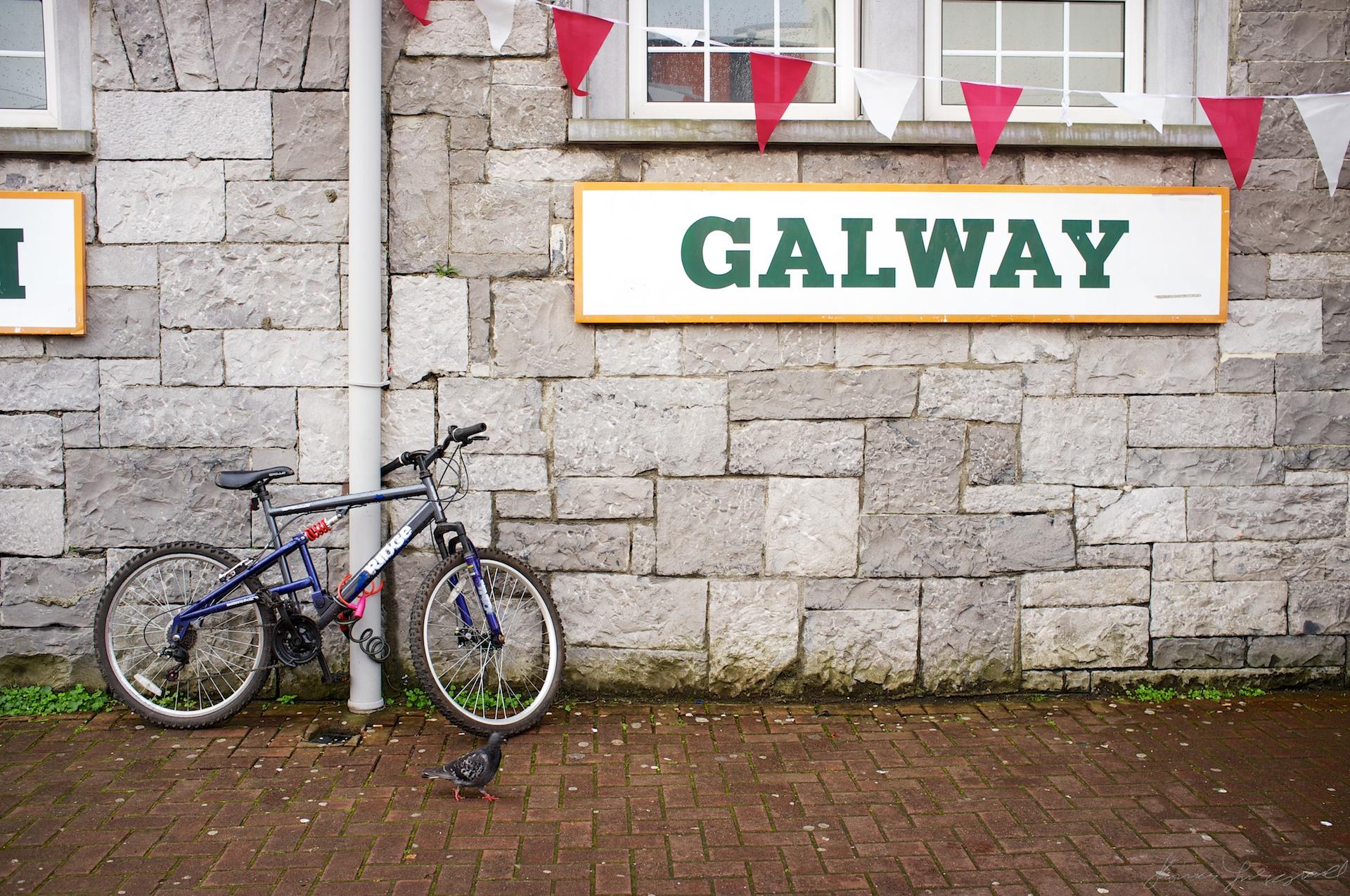 Galway railway station - Fuji X100