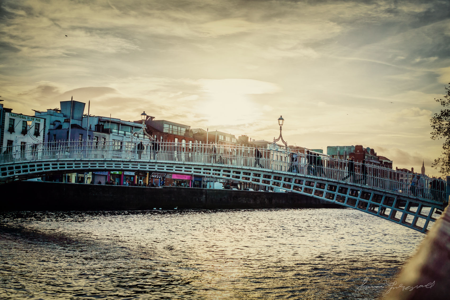 Ha'penny Bridge at sunset