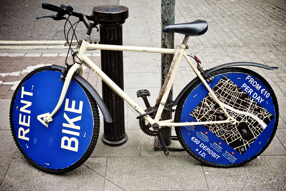 Photo of bike used as an advertisement to rent bikes