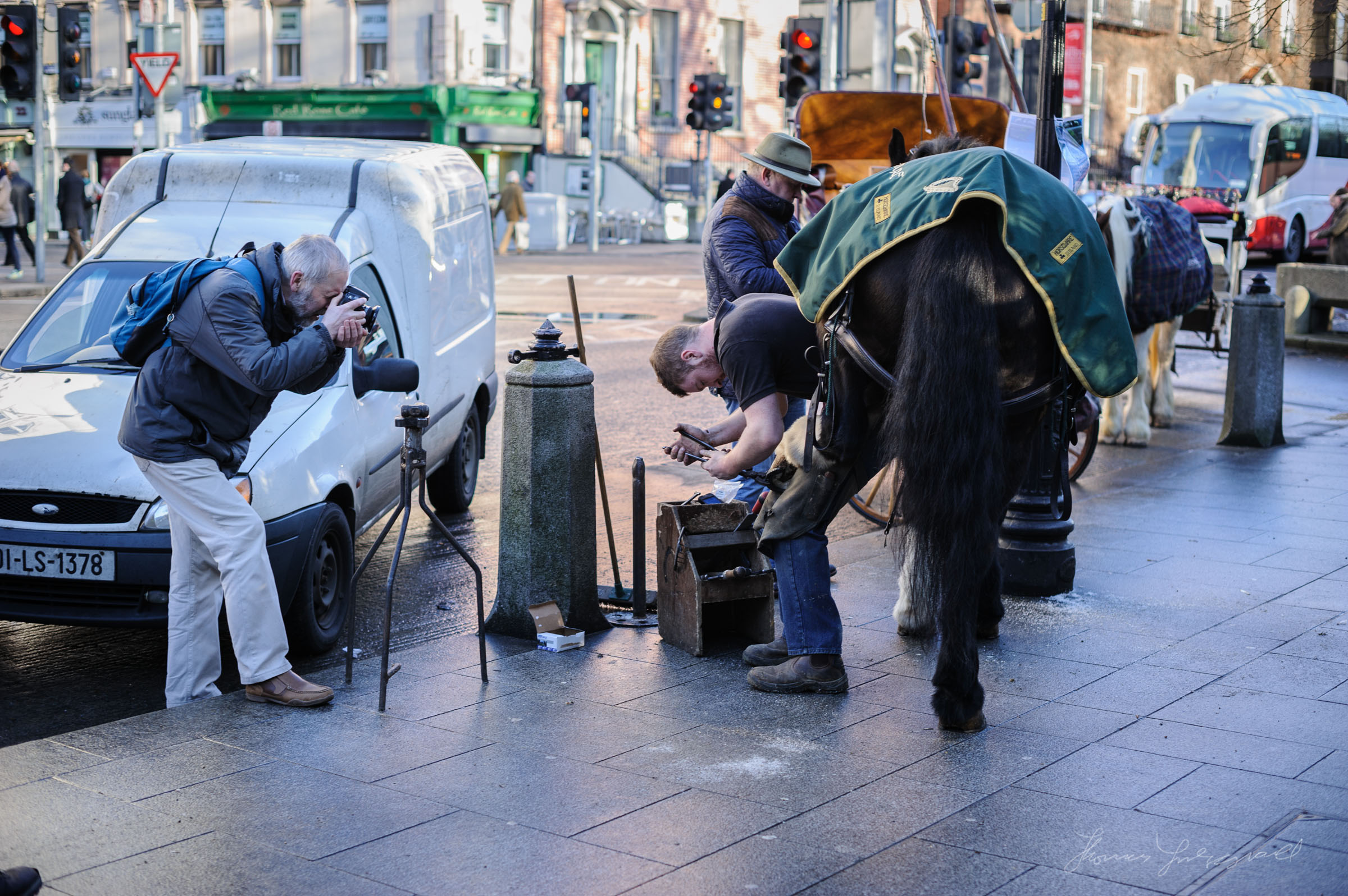 Shoeing a horse on Stephen's Green