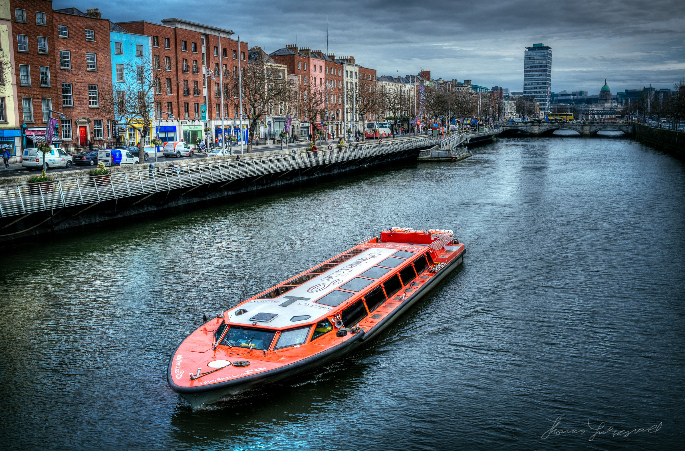 Tourist boat on the Liffey