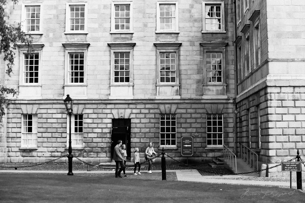 Black-and-white-film-scands-Dublin-45.jpg