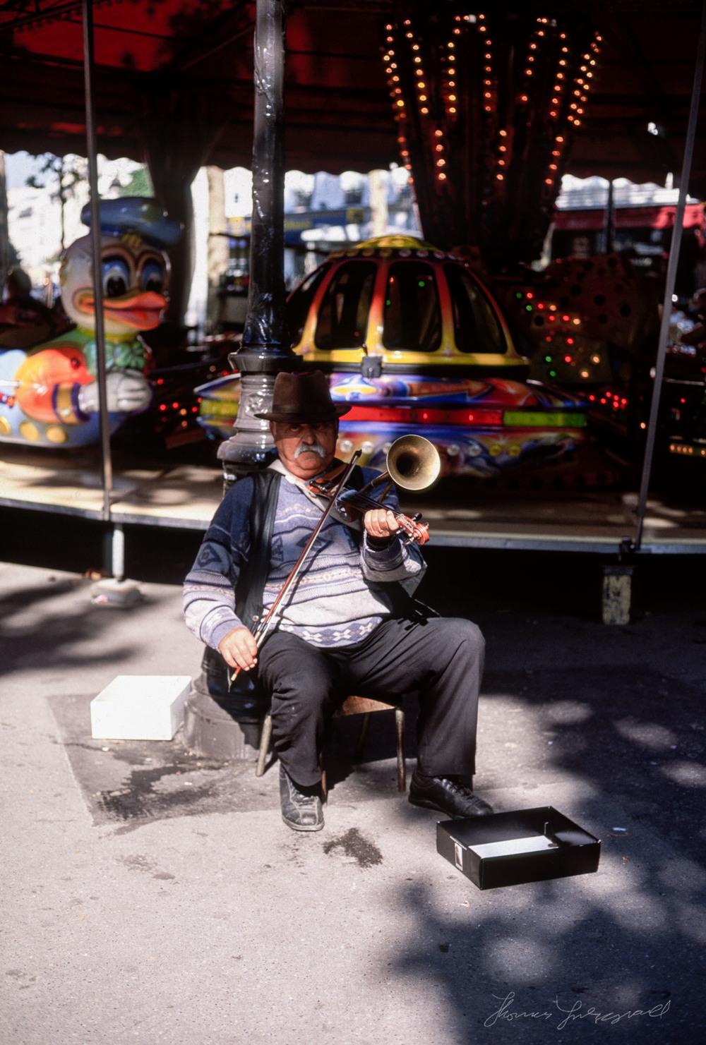paris-musician.jpg