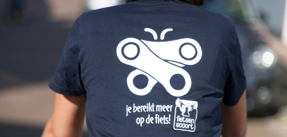 Je bereikt meer op de fiets - T-shirt voor Fietsen Scoort