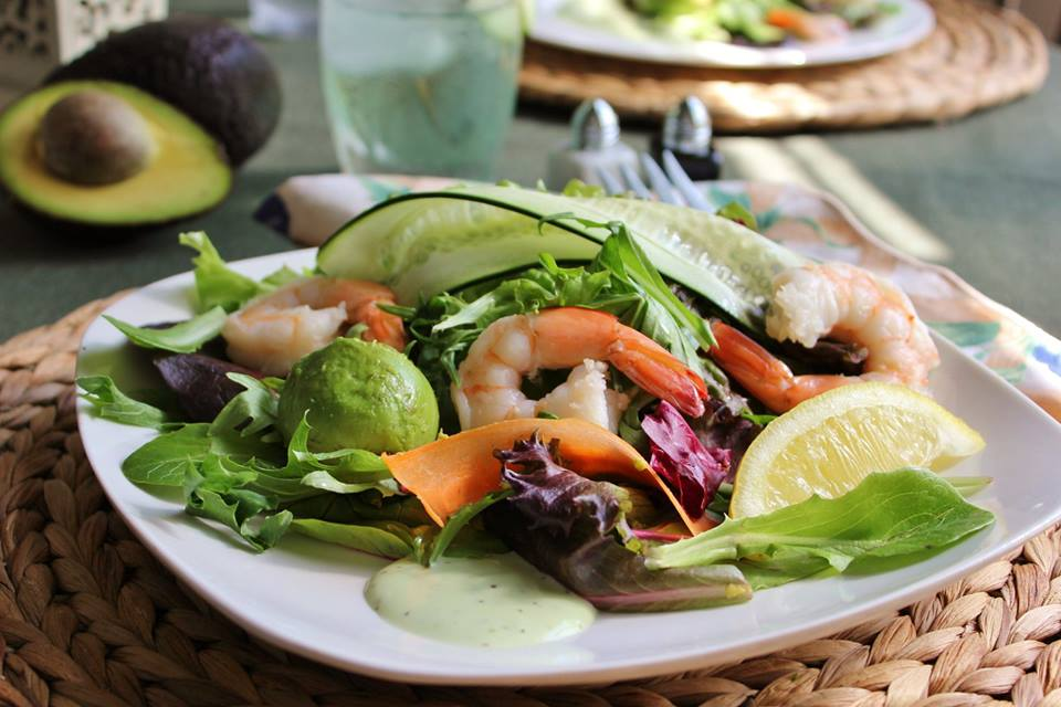 shrimp avocado salad3.jpg