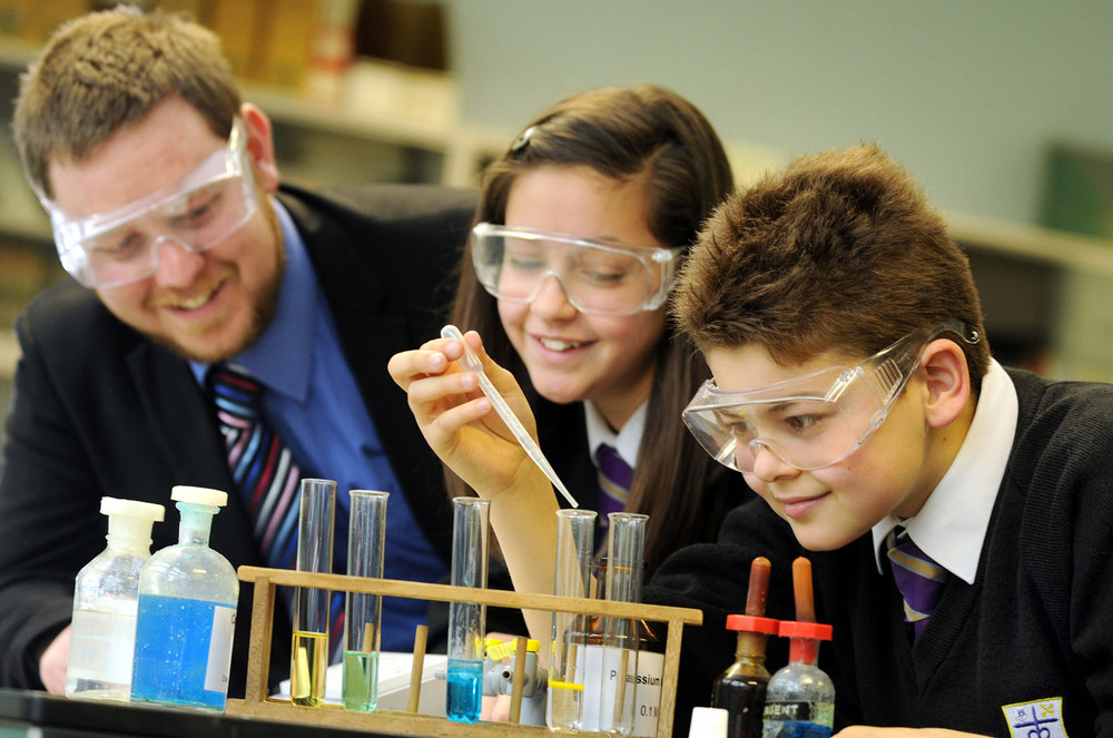 Science lesson, trainee teacher at St. Mary's Menston