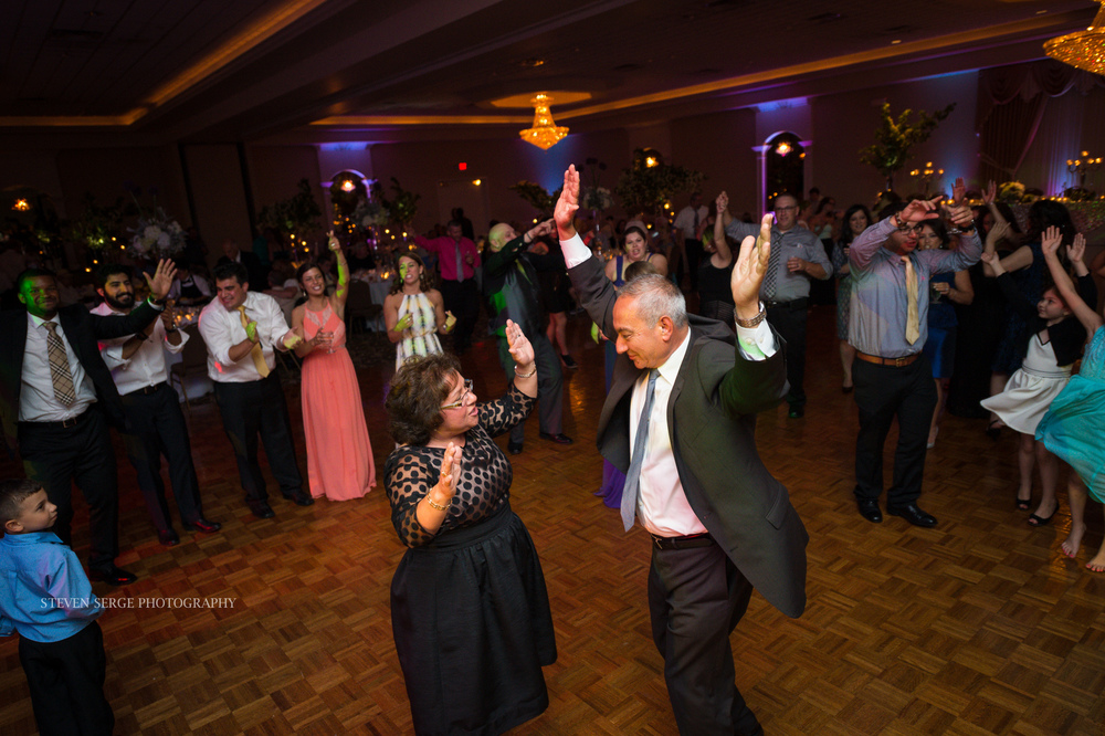 Scranton-wedding-photographer-fiorellis-steven-serge-75.jpg