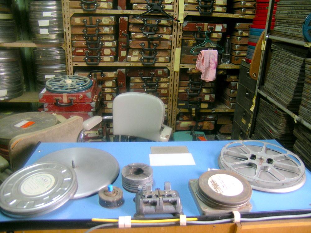 Table de vérification, centre des archives de la cinémathèque algérienne, rue Debussy