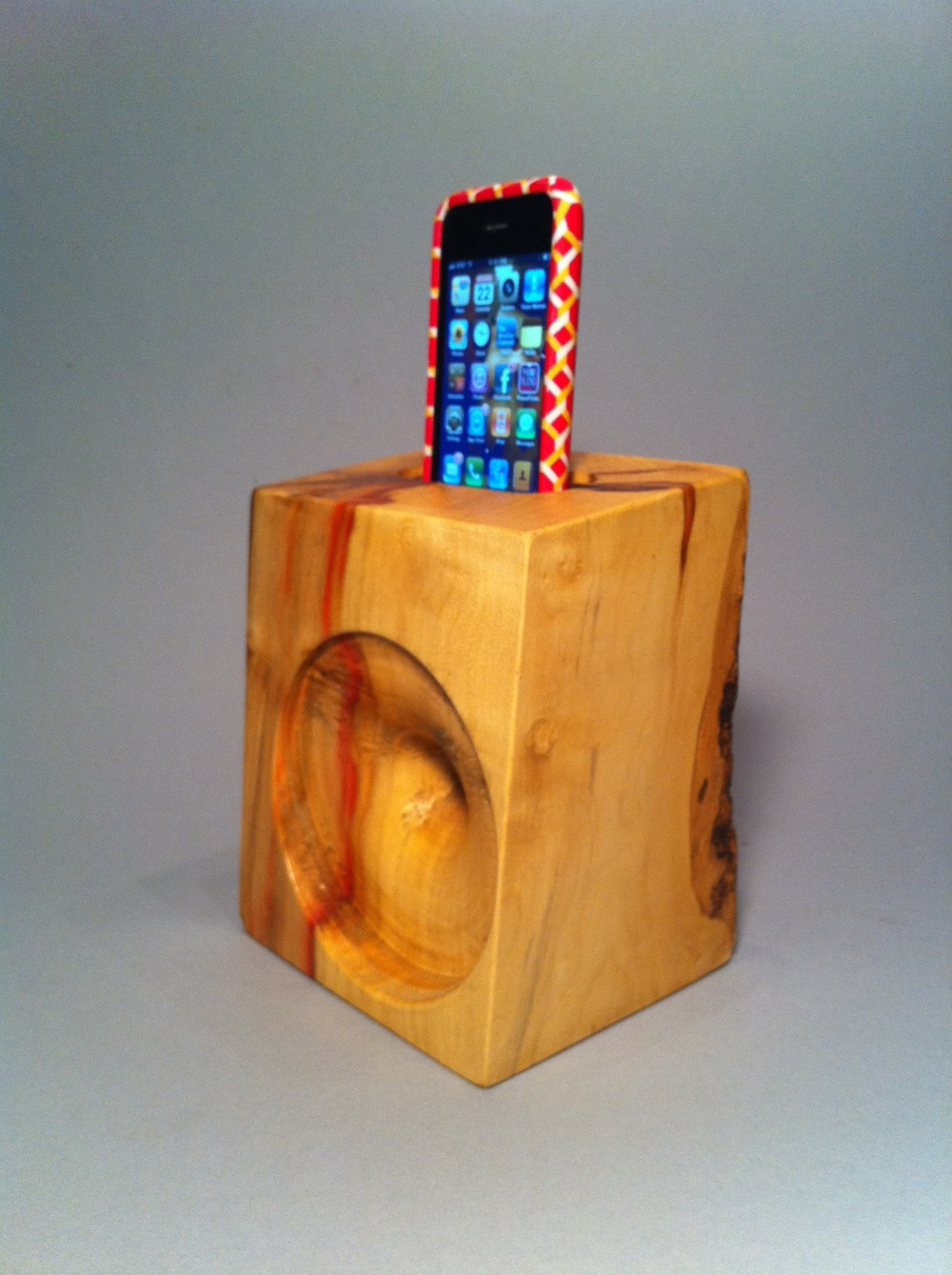 Solid Wood iPhone Amplifier.  Box Elder.