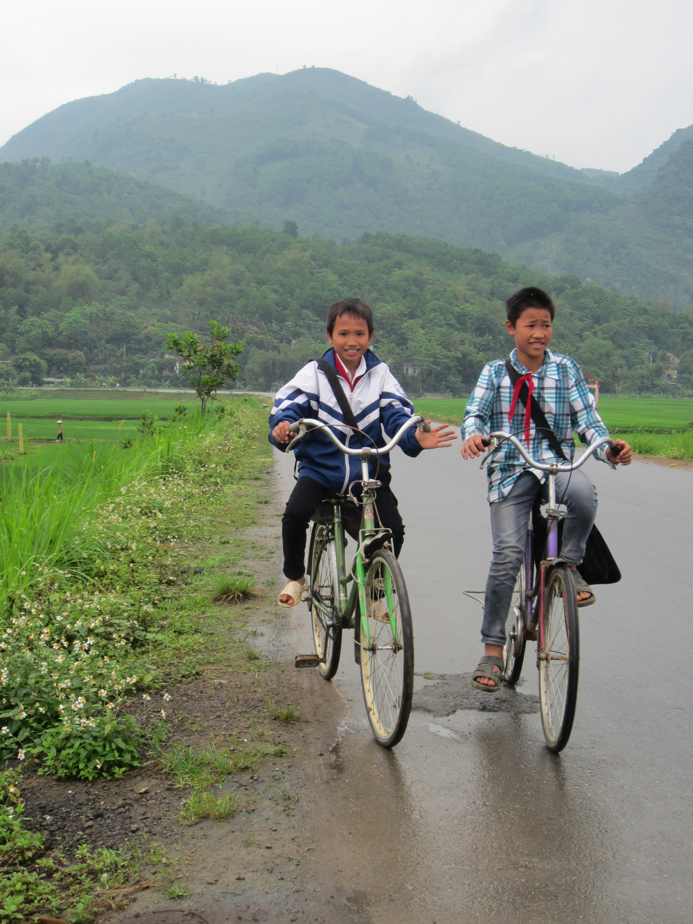 Cycling back from school - Road to Mai Chau, Vietnam
