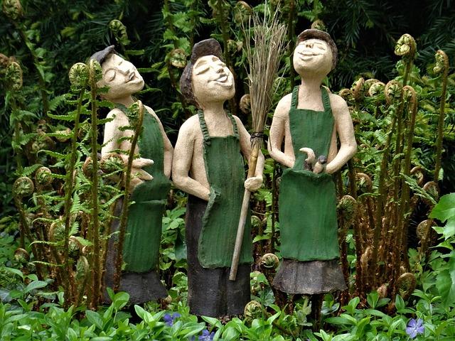 statues-2567800_640.jpg