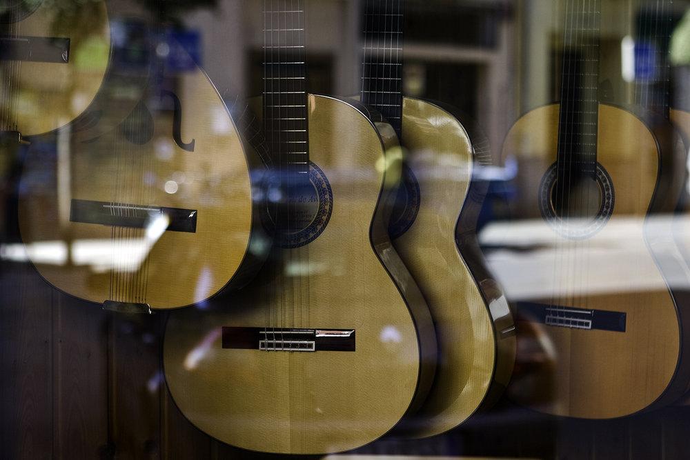Guitars_Granada_Squarespace.jpg
